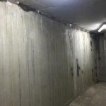 Te behandelen betonwand - cementering